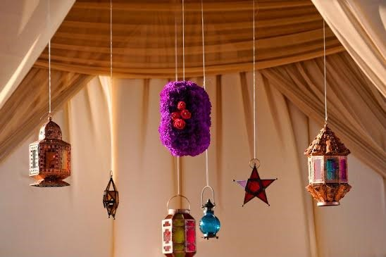 Fabric and colourful lanterns1