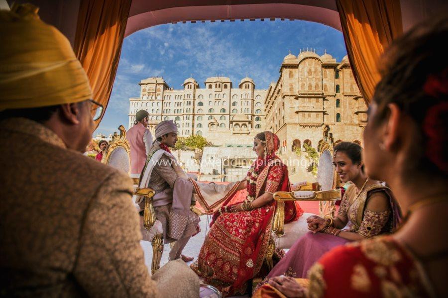 beautiful wedding in fairmont jaipur