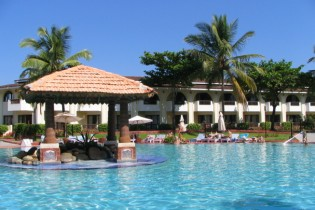 holiday inn goa pool view