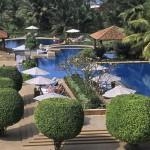 kenilworth goa hotel swimming pool1