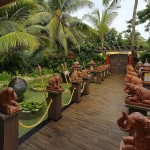 mayfair goa Entrance beautified by sculptures1